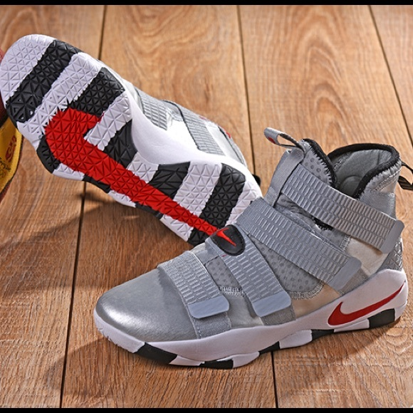 Nike Shoes   Lebron Soldier 1 Silver